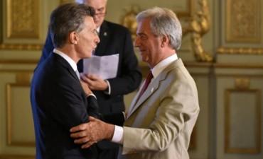 Macri y Vázquez se reúnen en Uruguay