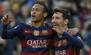 Con tres goles de Messi, Barcelona goleó a Granada y recupera la cima de la Liga de España