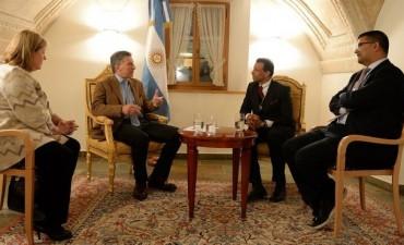 """Macri calificó de """"muy productivas"""" sus primeras reuniones en Davos"""