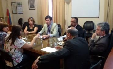 Inicia el dialogo entre gremios y gobierno por las paritarias Docentes