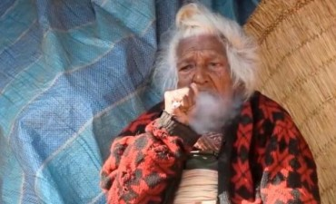 Tiene 112 años y una fórmula de longevidad polémica
