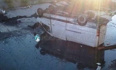 Un furgón cayó al Arroyo Fariñango
