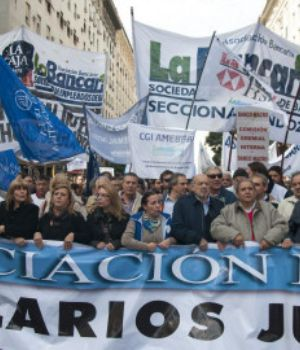 Los sindicatos quieren más del 20 % para no perder poder adquisitivo
