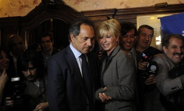 Un conocido empresario, ¿el tercero en discordia entre Scioli y Rabolini?
