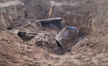 Hallan enterrado el auto con el que mataron a tres personas en Ranchillos