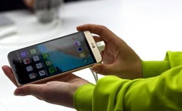 El Gobierno prevé lanzar un plan canje de celulares para mejorar las comunicaciones móviles