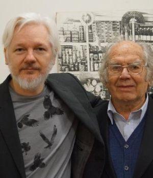 Pérez Esquivel visitó a Assange en la embajada ecuatoriana