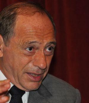 Zaffaroni volvió a criticar al Gobierno: