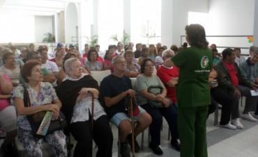 Odontología trabaja con talleres para adultos mayores