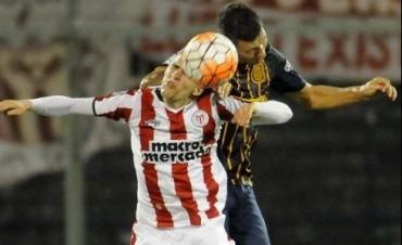 Con un triplete de Ruben, Rosario Central goleó a River de Uruguay por la Copa
