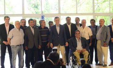Macri presionó a la cúpula de la CGT para bajar el tono de la protesta gremial