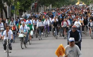Santiago del Estero multitudinario Via Crucis en bicicleta