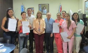 Nuevos profesionales de la Salud recibieron contrato de Empleo Público