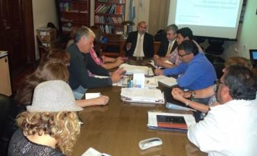 Gremios docentes reunidos con autoridades del ministerio de educación