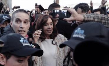 Cristina está en Tribunales, presentará un escrito y hablará ante Bonadio