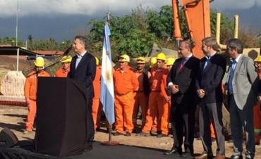 Macri lanzó el Plan Nacional del Agua y se comprometió a crear 200.000 puestos de trabajo