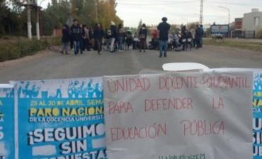 Universitarios resolvieron parar una semana más a partir del lunes 9 de mayo