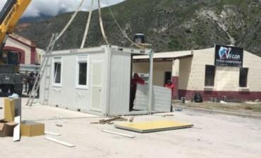 """Fidel Saenz: """"Con lo que cuestan los containers podemos construir en material las viviendas para las familias"""""""