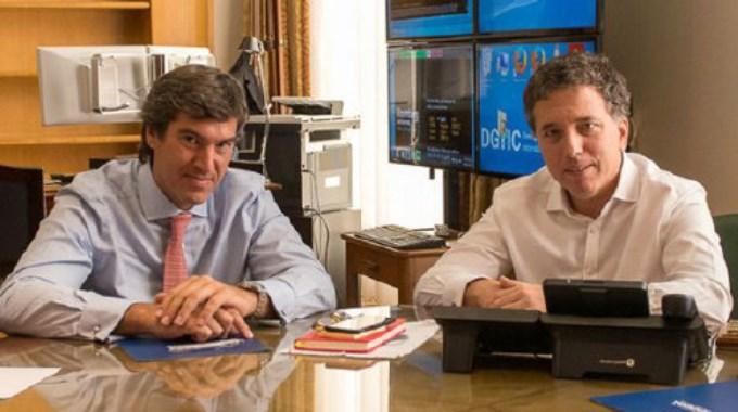 Salida con escándalo: Macri, cliente del nuevo procurador