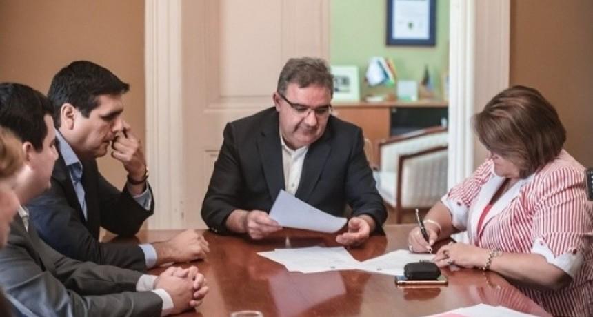 Acuerdo para el traslado del Instituto Hood
