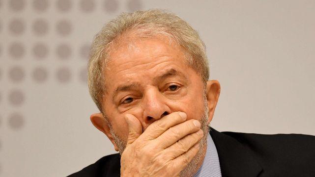 Conmoción en Brasil: Lula marcha preso