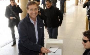 Los intendentes de Mendoza y San Carlos renuevan su mandato, según cifras extraoficiales