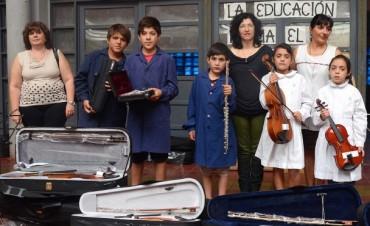 Mendoza apuesta a la formación musical con 800 niños en orquestas infantiles