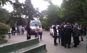 Tiran gas pimienta en una escuela de Florencio Varela: al menos cinco alumnos hospitalizados