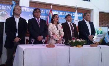 La Gobernadora inauguró el Simposio Internacional de Nogalicultura.