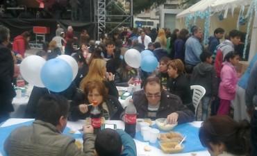 La 13ª edición de la fiesta del Locro dio Inicio  en plaza 25 de mayo
