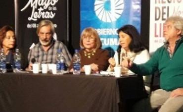 Hilda García ofreció un panorama de la poesía de Catamarca en Tucumán