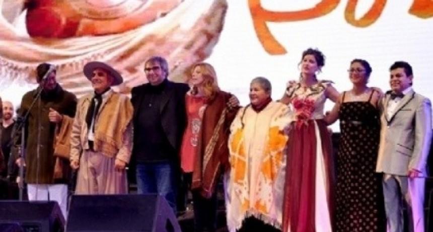 """Convocatoria a propuestas artísticas para la """"Fiesta del Poncho 2018"""""""