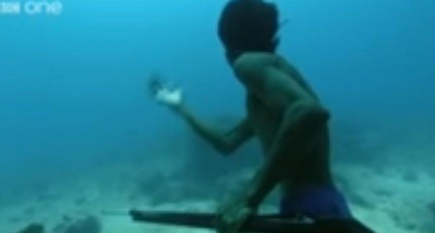 La tribu asiática que puede aguantar hasta 13 minutos bajo el agua