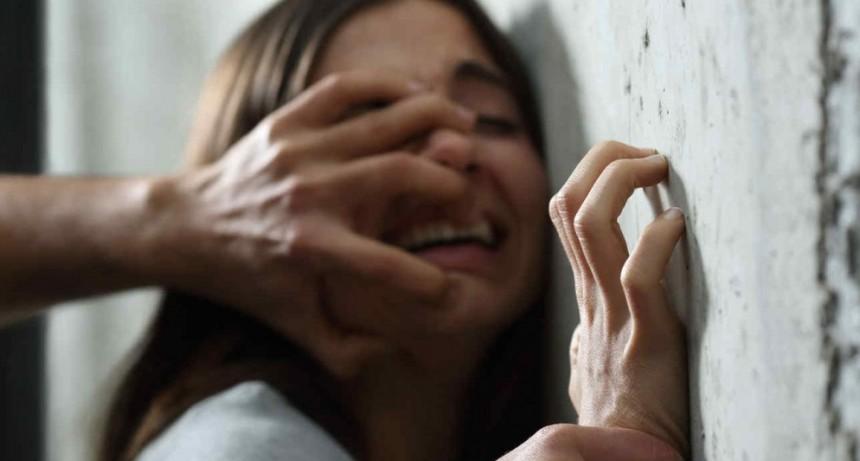 Huyo tras ser  abusada sexualmente por su padre y su hermano