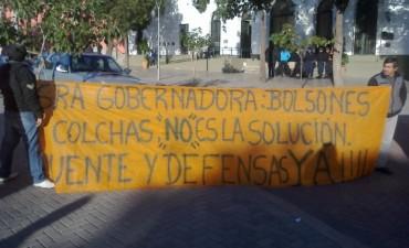 Afectados por el Temporal en Bañado de Ovanta reclamaron Frente a Casa de Gobierno