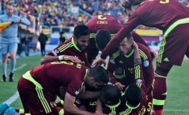 Venezuela le ganó a Colombia y dio la primera gran sorpresa de la Copa
