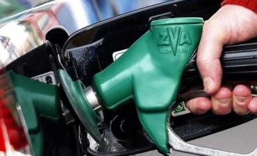 Por cada litro de nafta que se paga, el Estado se queda con el 41% de lo recaudado