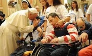 Francisco le envió un contundente mensaje a Macri por la quita de pensiones por discapacidad