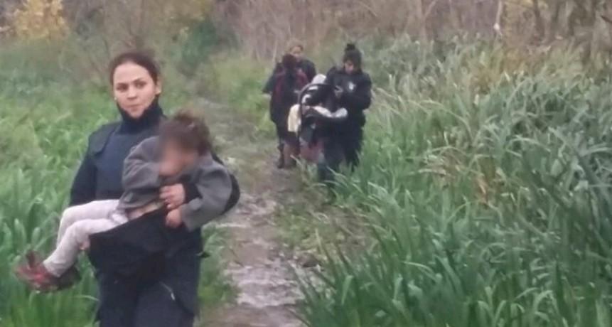 Rescatan a 5 hermanitos abandonados en una zona boscosa