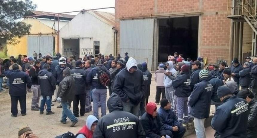 Por cierre y más de 700 despidos, toman un ingenio en Salta