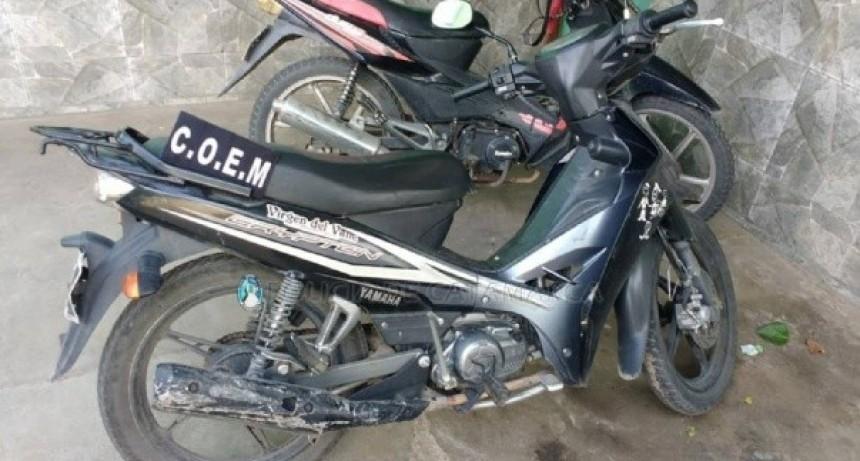 Atrapan a ladrones de motos tras persecución