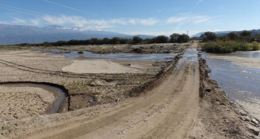 Vecinos de Huaycama reclaman defensas en el río