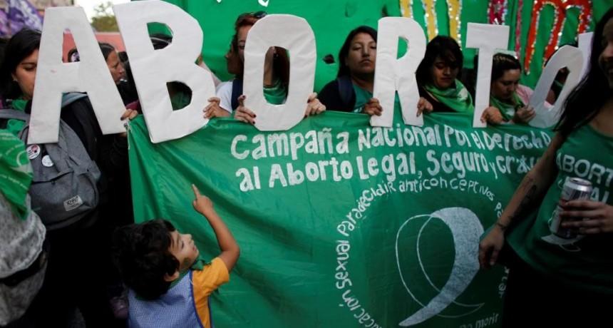 CAMBIOS ley de ABORTO: Entre los 13 y los 16 años de edad, cuenta con madurez suficiente para decidir la práctica