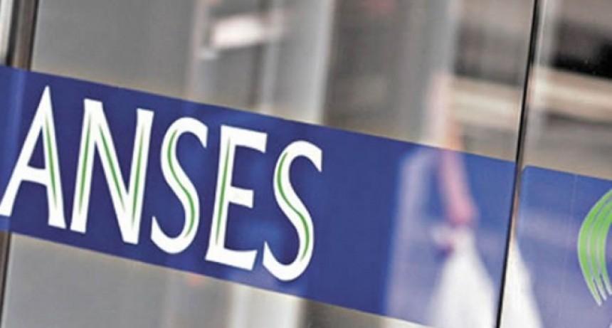 Primera medida de ajuste: se recortan en 25% los cargos jerárquicos en AFIP, PAMI, Anses