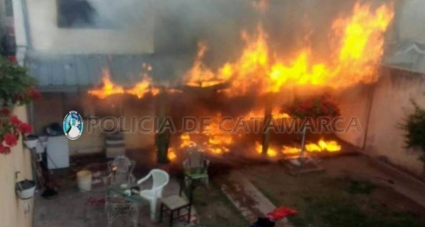 Incendio causó daños totales en una vivienda