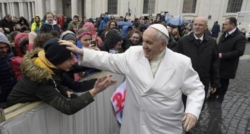 El Papa cuestionó que Macri haya desarmado la ley de medios: