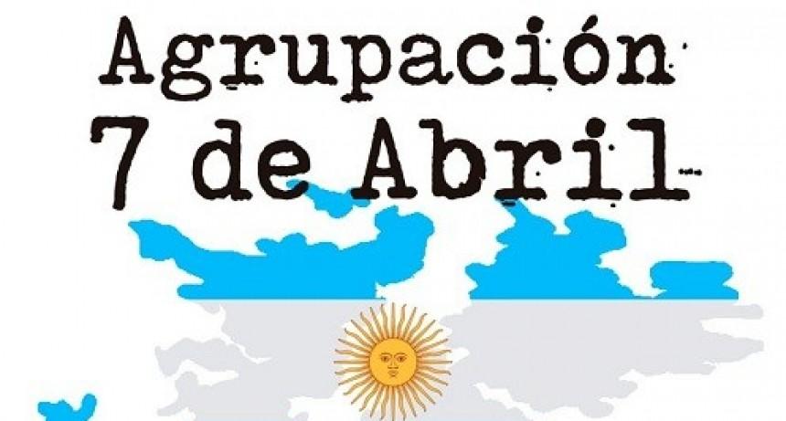 La Agrupación 7 de Abril en Rosario en el homenaje a la Bandera