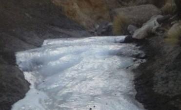 Se congelo un rio en el interior Provincial debido a las bajas temperaturas