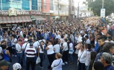 Nicolás Maduro abrió la frontera con Colombia por 12 horas: cientos de venezolanos cruzan a buscar alimentos y medicinas