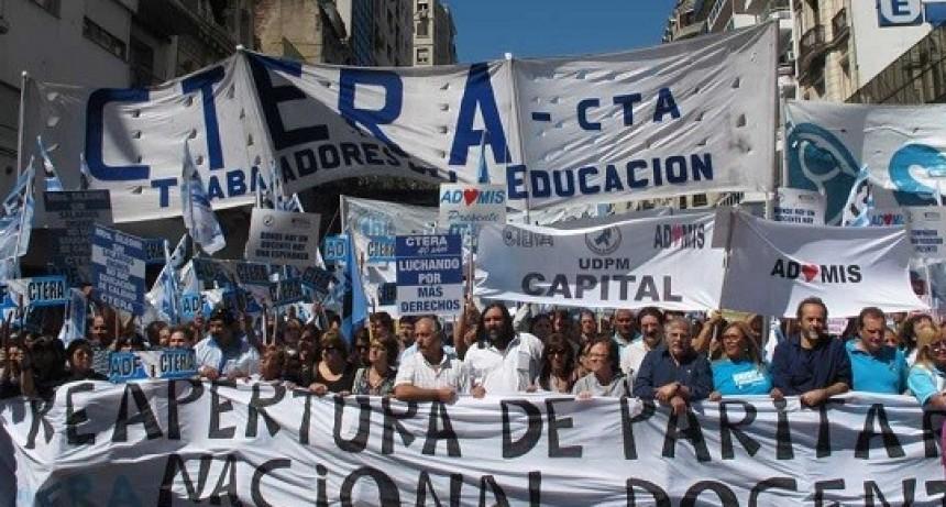 Los docentes van al paro nacional y se recrudece el vinculo con el Gobierno